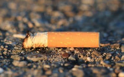 Warum achtlos weggeworfene Zigarettenkippen so gefährlich sind