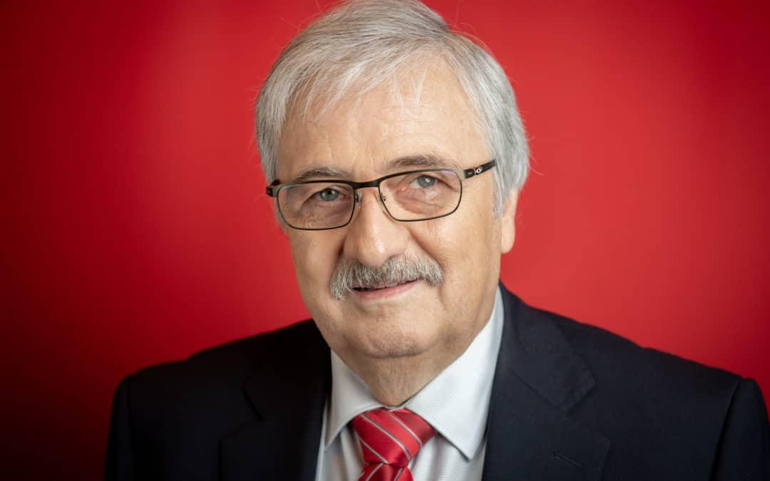 Herbert Eickmanns (SPD): Investoren für das Gelände rund um das alte Hallenbad in Beeck gesucht