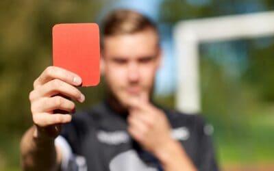 Rote Karte für Gewalt im Fußball